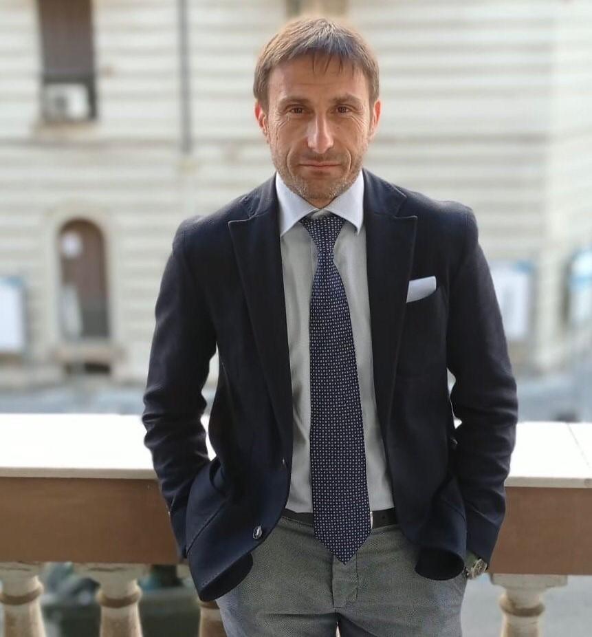 Dott. Valentino Vecchi